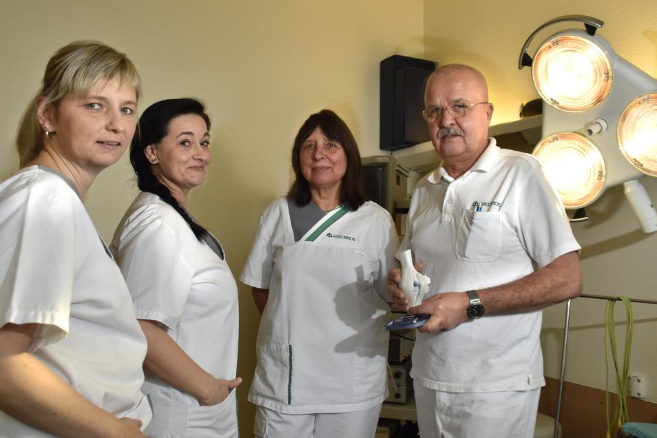 Matthias Graf ist mit seinen Mitarbeiterinnen in neue Räume gezogen. Er praktiziert jetzt im Medizinischen Versorgungszentrum (MVZ) an der Pulsnitzer Straße in Radeberg.