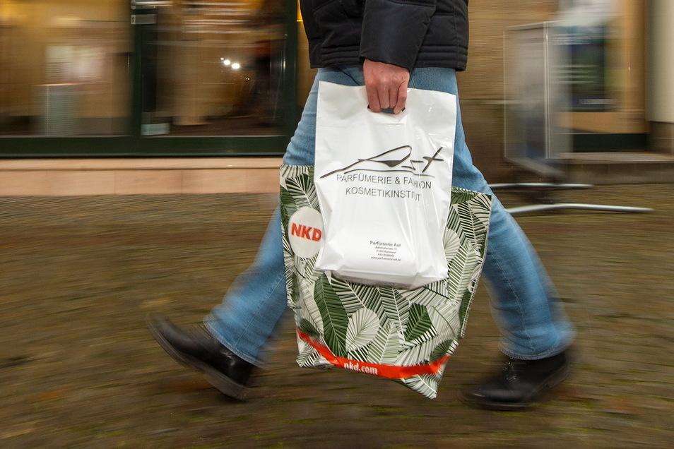 Wer Waren nicht online bestellt, sondern auf der Bahnhofstraße in Radebeul kauft, der sollte nach Meinung von Manfred Meyer von einer niedrigeren Umsatzsteuer profitieren.
