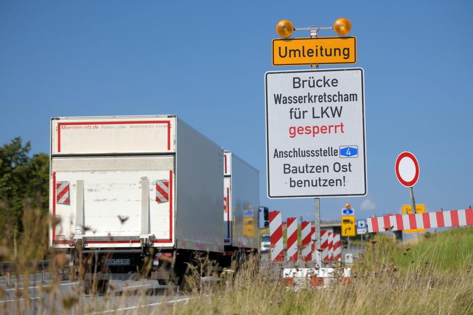 Wegen der gesperrten Brücke gibt's jetzt lange wesentlich mehr Lkw auf der B6 zwischen Löbau und Bautzen.