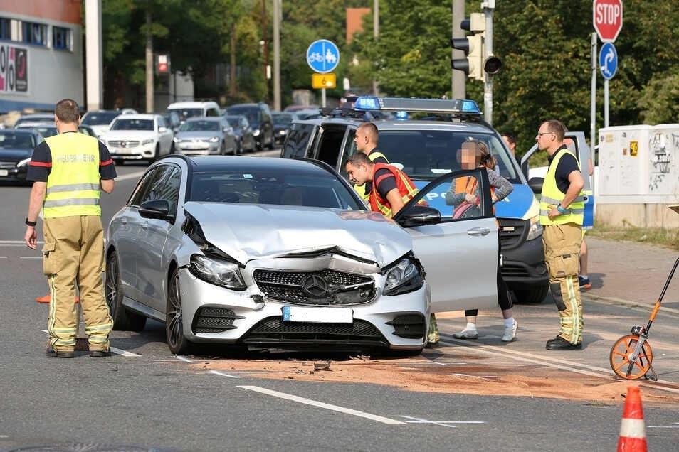 Beide Fahrer wurden leicht verletzt. Nun ermittelt die Polizei.