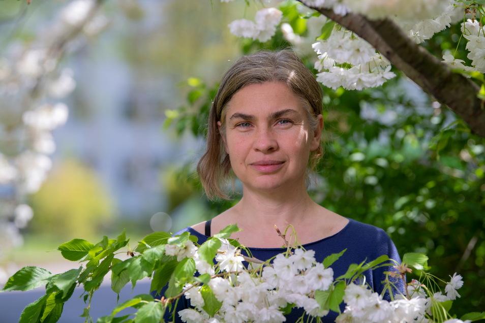 """Katrin Lindner vernetzt als Quartiermanagerin Engagierte, Interessierte, Außenstehende miteinander. """"Prohlis ist besser als sein Ruf"""", sagt sie."""