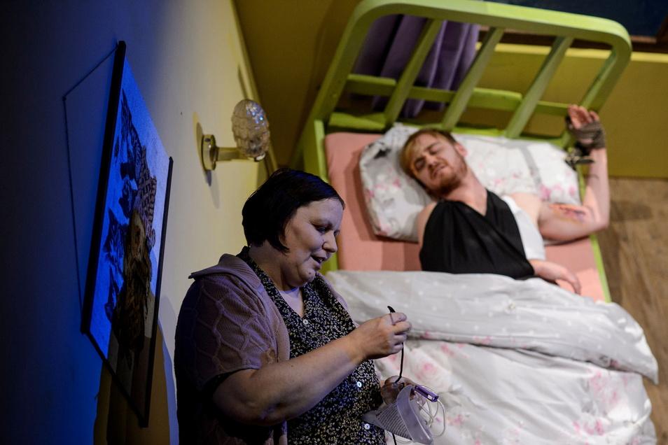 """""""Misery"""" mit Patricia Hachtel und Paul Nörpel."""