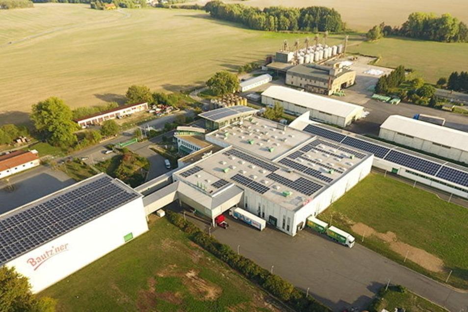 Durch die Photovoltaik-Anlage auf dem Werksdach in Kleinwelka spart Bautz'ner jährlich 90 Tonnen Kohlenstoffdioxid ein.