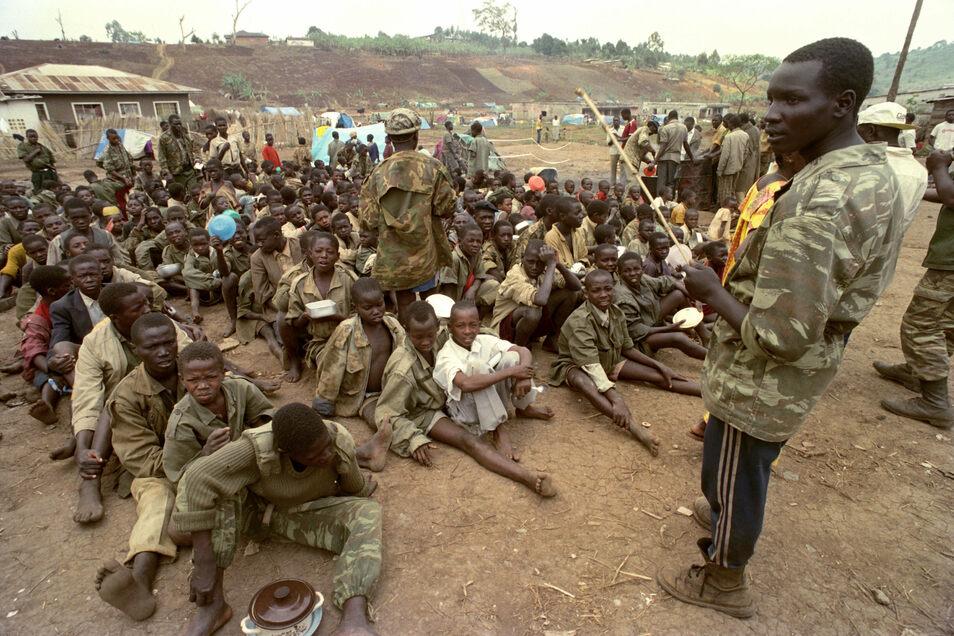 Mehr als ein Vierteljahrhundert nach dem Völkermord im ostafrikanischen Staat Ruanda ist in der Niederlande ein Mann festgenommen worden.