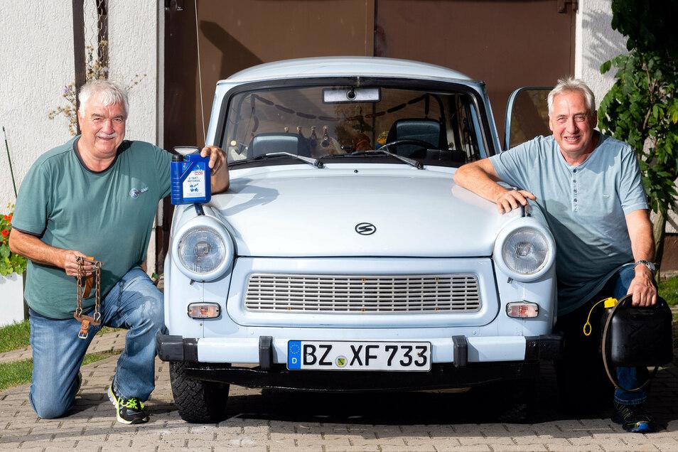 Andreas Kroker (l.) und Rainer Vogel aus Kleindittmannsdorf kurz vor ihrer Abenteuertour zum Großglockner in Österreich.