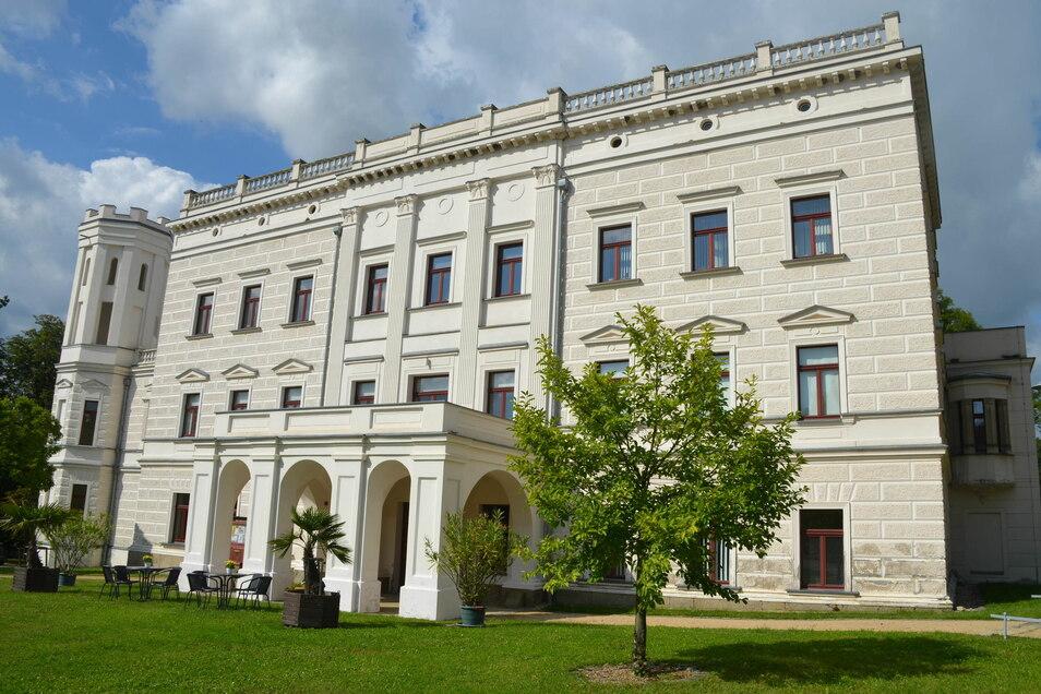 Schloss Krobnitz ist eine imposante Erscheinung.
