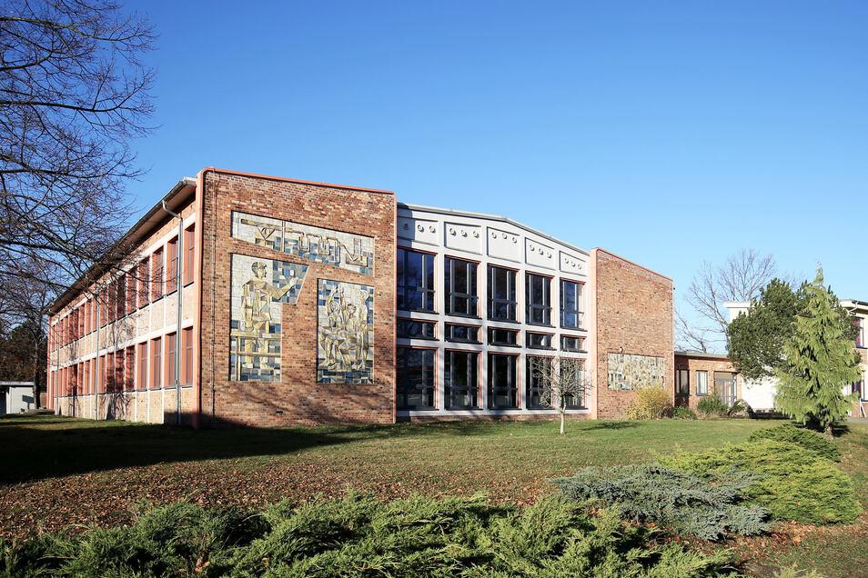 Strehlas Oberschule ist architektonisch interessant – zieht aber zu wenig junge Lehrer an. Das soll sich ändern.