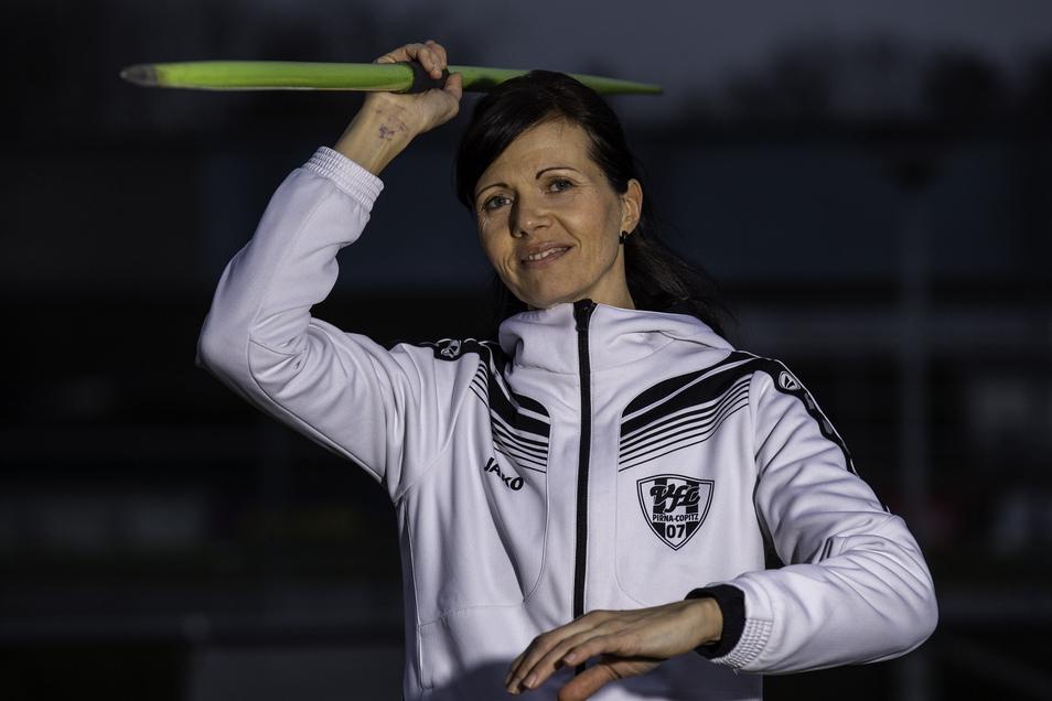 Steffi Schöler siegte in Chemnitz im Speerwurf.