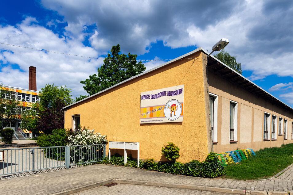 Die Grundschule in Hermsdorf.