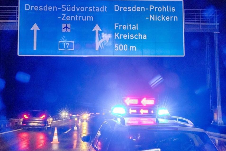 Die Autobahn musste für eineinhalb Stunden gesperrt werden.