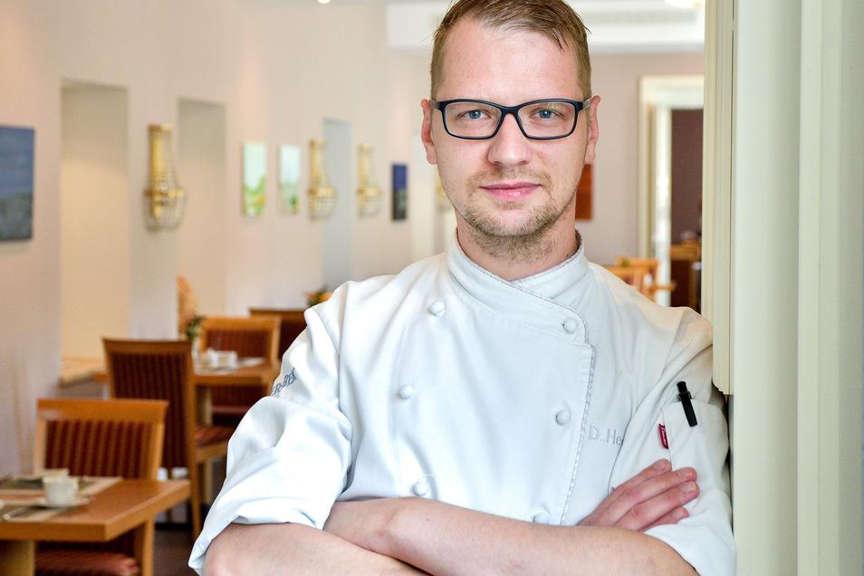 Küchenchef Daniel Hegenbart brutzelt wieder.
