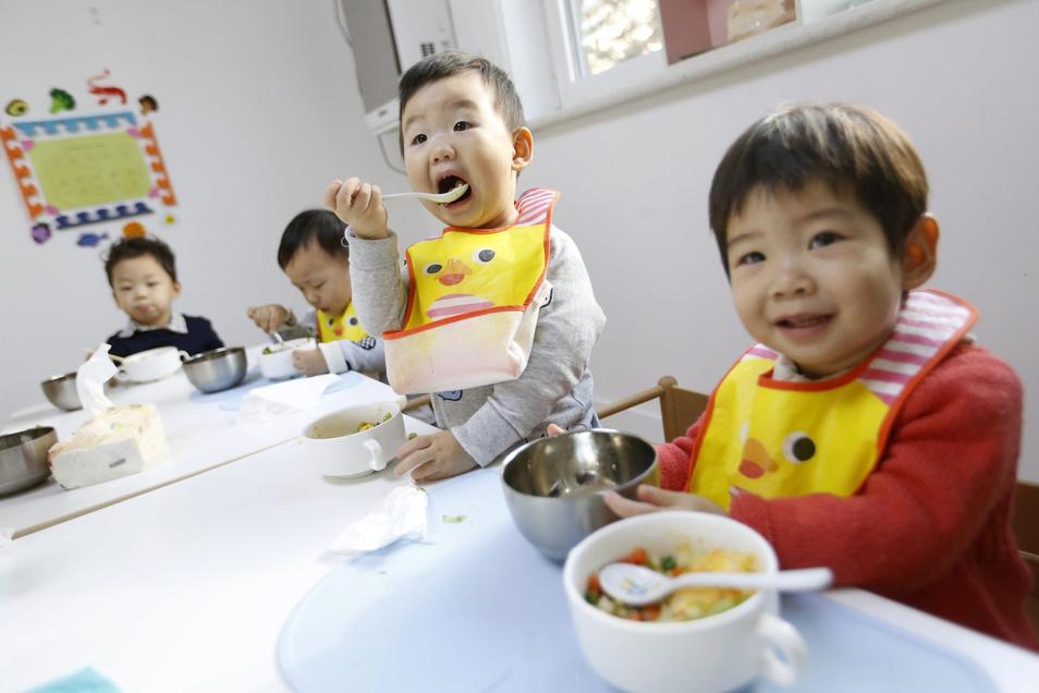 Im Jahr 1979 führte China die Ein-Kind-Politik ein. Die Folgen des bevölkerungspolitischen Experiments sind noch heute spürbar.