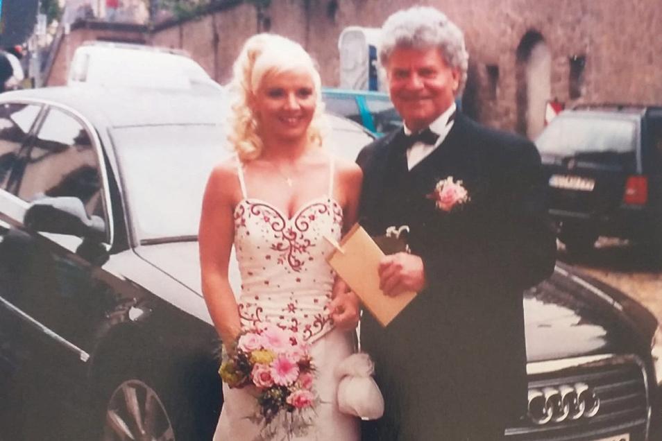 """Joachim Schlese und seine Carmen am Tag ihrer Hochzeit am 6. Mai 2005. """"Eine solche Liebe wünschen wir jedem"""", sagen sie."""