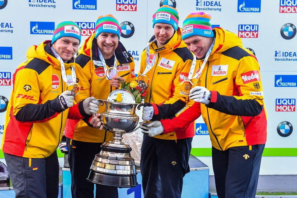 Die Sachsen sorgten in diesem so ungewöhnlichen Sportjahr für die Glanzlichter: das Bobteam um den Pirnaer Piloten Francesco Friedrich, ...