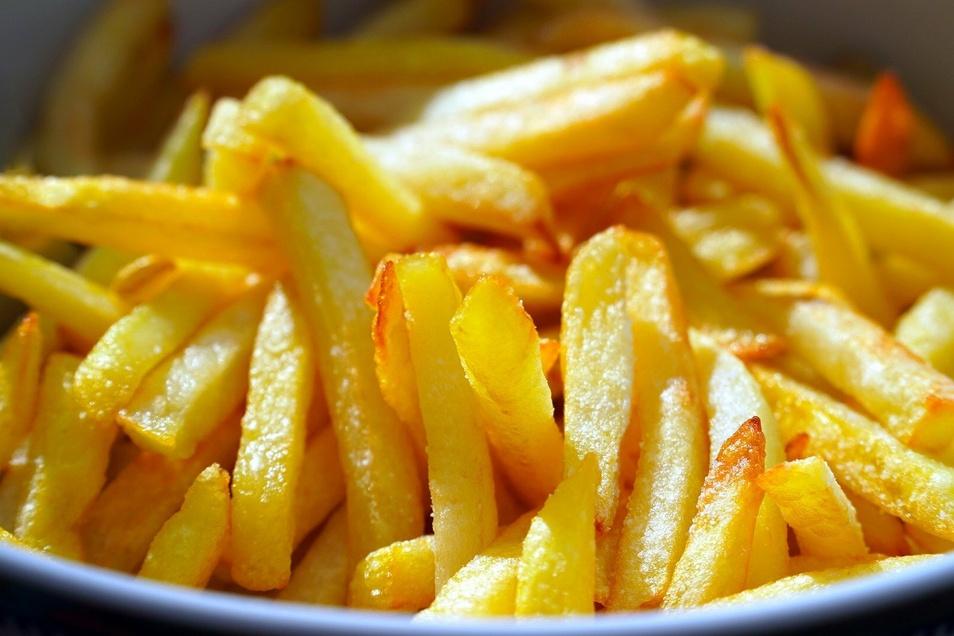 Der Hang zu Fertigprodukten hält an: Pommes aus der Packung statt frisch geschälte Salzkartoffeln.