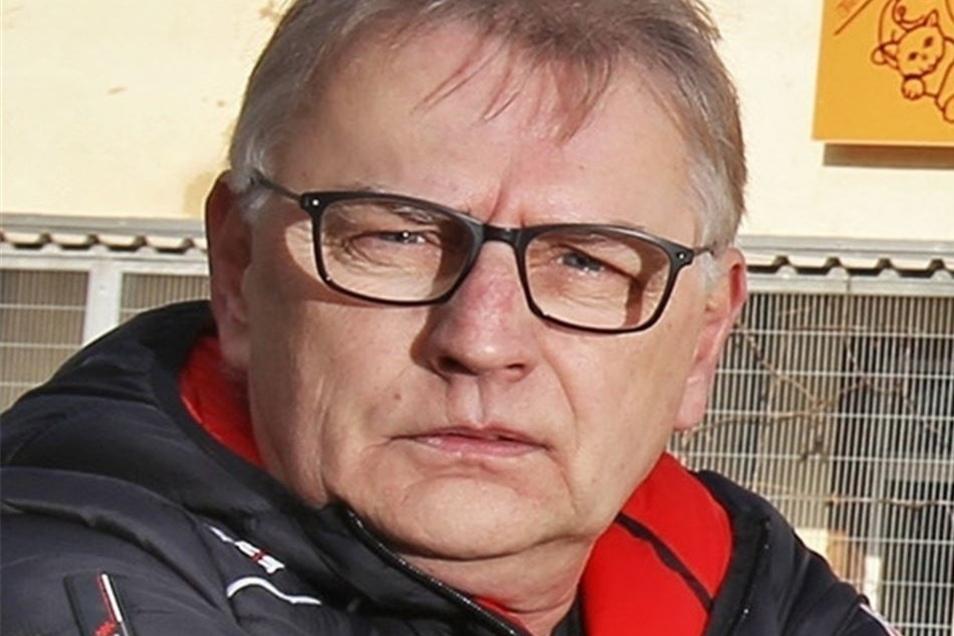 """""""Ben hätte ich schon dreimal vermittelt"""" – Uwe Brestel, Chef des Riesaer Tierheims."""