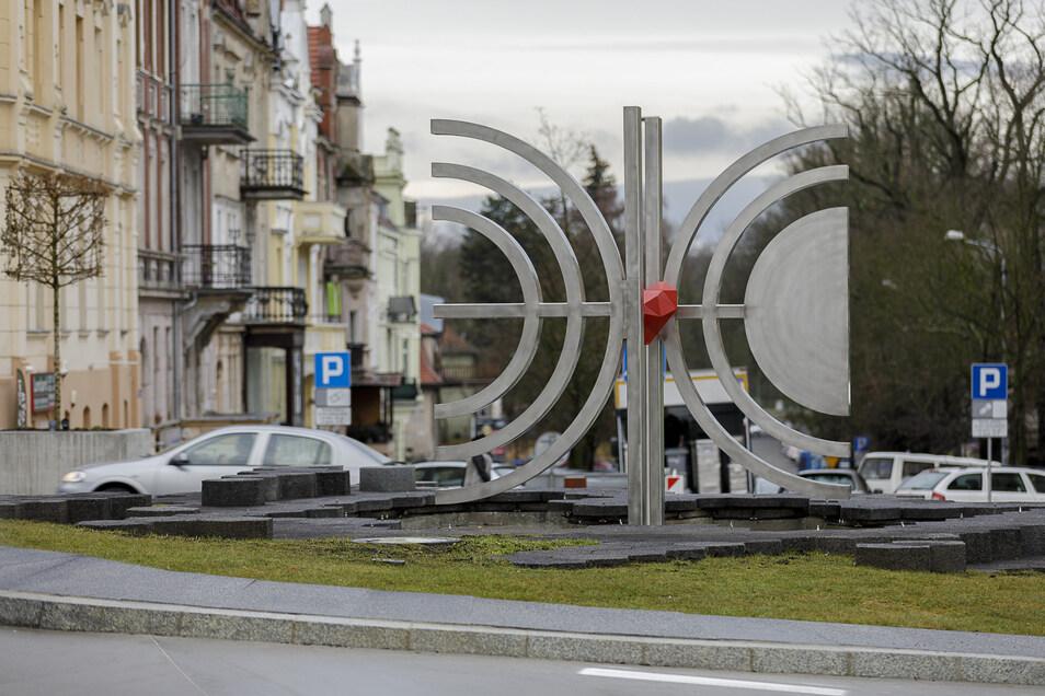 Die neue Jakob-Böhme-Skulptur im Zentrum von Zgorzelec.