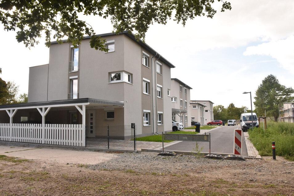 Die Paul-Ehrlich-Straße in Hoyerswerda hat nur eine Zufahrt. Die zweite, ursprünglich angedachte, wurde nicht an die Hufelandstraße angebunden – und endet hier.