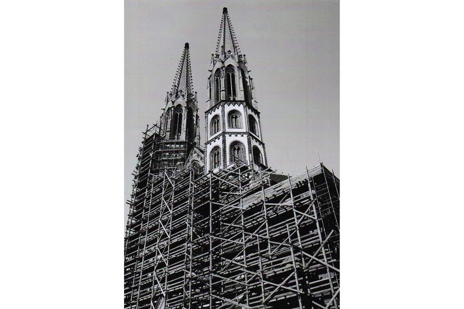 Fortan gab es immer wieder Sanierungen, Instandsetzungen und Wartungen der beiden Betontürme. Diese Aufnahme stammt von 1979. Foto: Rainer Kitte