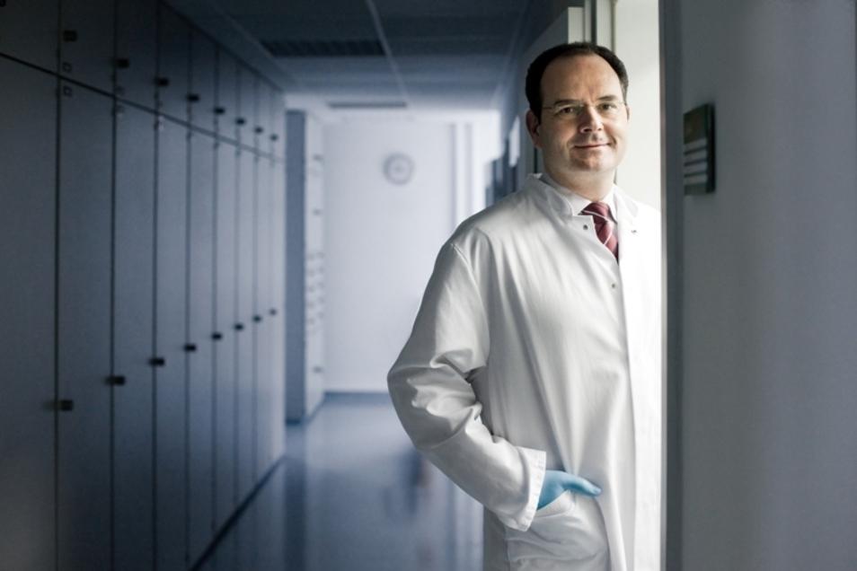 Jacques Rohayem, Dresdner Wissenschaflert, Mediziner und Geschäftsführer. Sein Unternehmen entwickelt einen Stoff gegen Coronaviren.