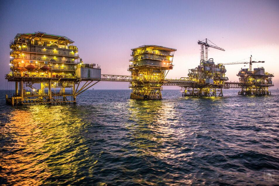 Blick auf den Tanadschib-Ölkomplex des saudischen Staatskonzerns Saudi Aramco im Persischen Golf, etwa 200 km nördlich von Dammam.
