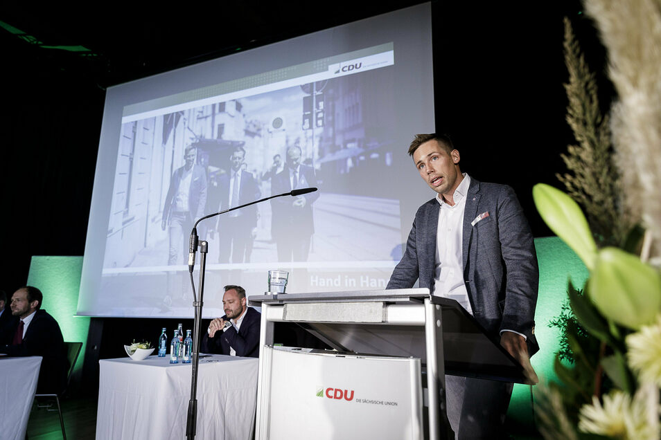 Im September hielt Oest beim Parteitag des CDU-Kreisverbandes seine Bewerbungsrede. Er wurde mit großer Mehrheit als Kandidat für die Bundestagswahl 2021 nominiert.