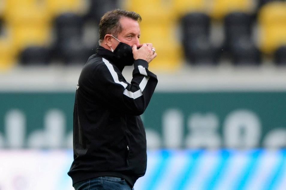 Dynamos Trainer Markus Kauczinski bleibt vorerst weiter im Krankenhaus.