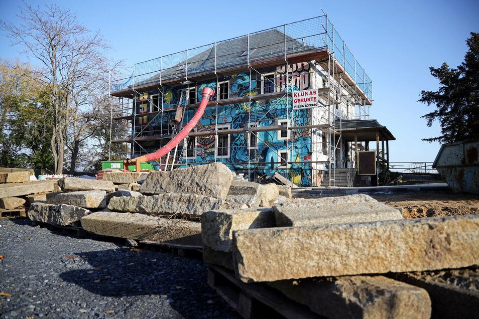 Die Bauarbeiten am Offenen Jugendhaus werden sich wohl noch bis zum Frühjahr 2021 ziehen.