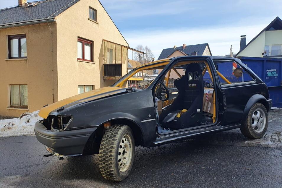 Der Ford Fiesta des Autocrossvereins VLG-Racing aus Weifa wurde neu aufgebaut, und muss jetzt verkauft werden.
