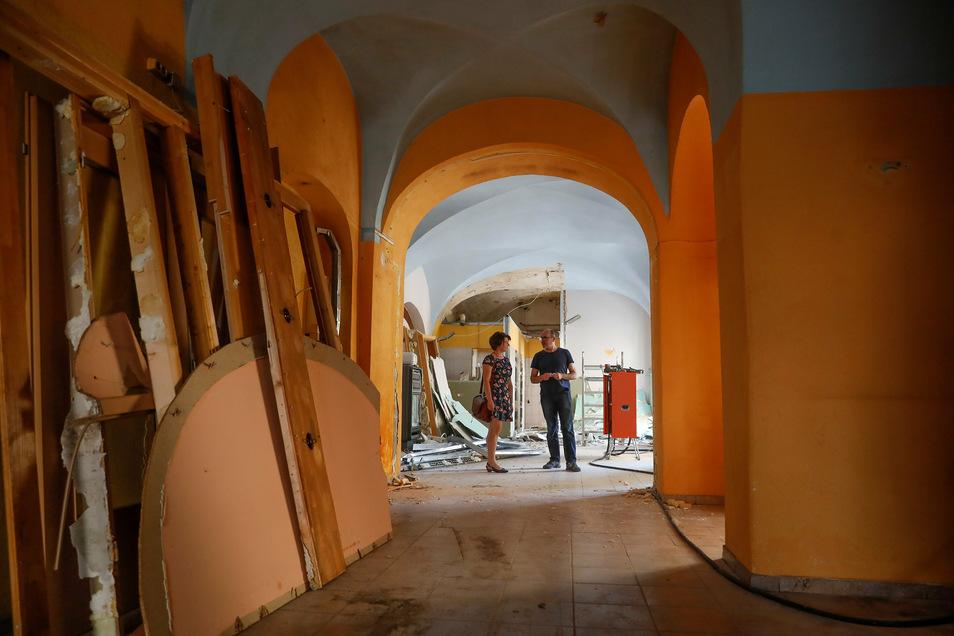 Das ehemalige Restaurant wird derzeit entkernt und für die neue Nutzung umgebaut.