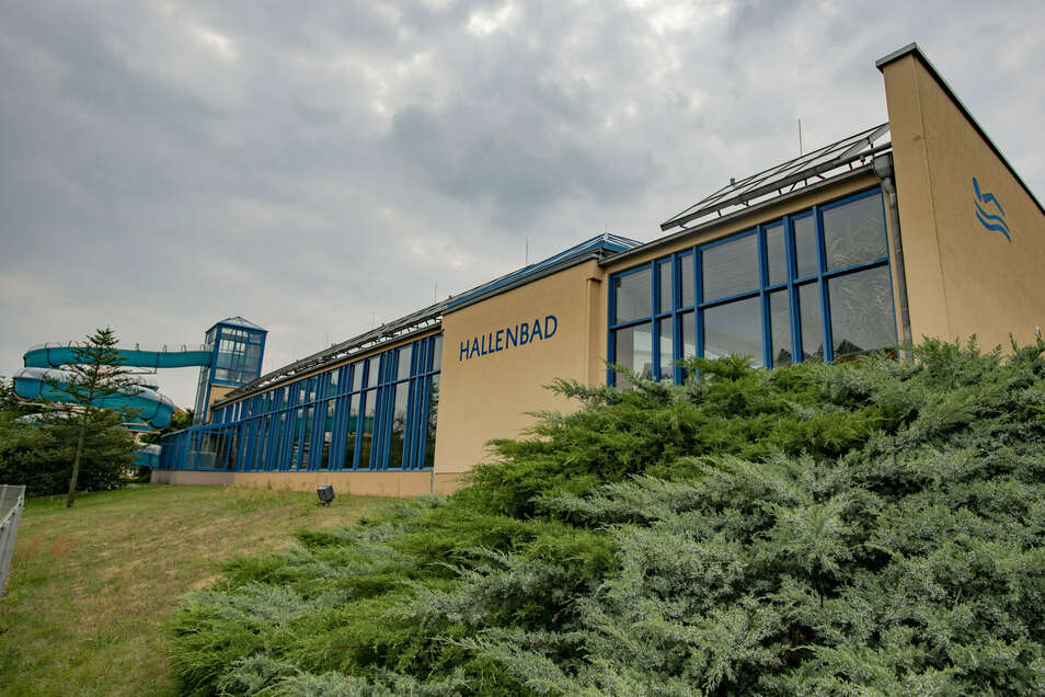 Das marode Hallenbad in Kamenz soll durch einen Neubau ersetzt werden. Doch woher das Geld dafür kommen soll, ist noch offen.