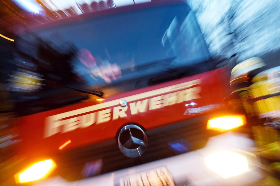 In Weixdorf musste die Feuerwehr in der Nacht zum Mittwoch einen Brand löschen.