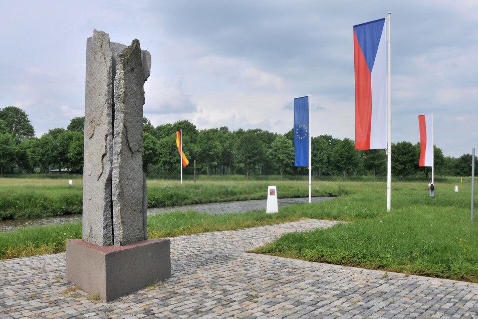 Am Dreiländerpunkt wird an den Weltfrieden erinnert.