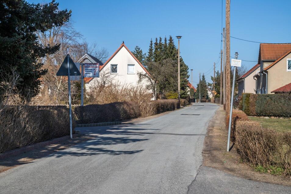 Die Herbert-Balzer-Straße in Niesky soll endlich einen Regenwasserkanal bekommen, damit das Niederschlagswasser nicht mehr in die Grundstücke läuft.