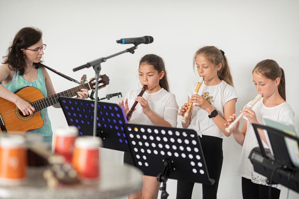Musik zum Eröffnungsprogramm.