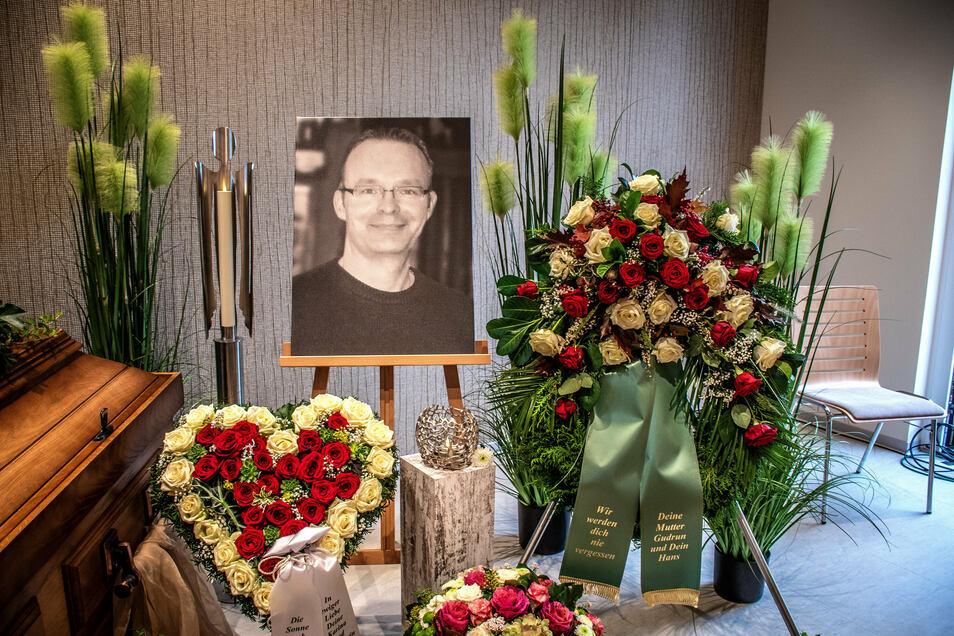 Zwei Wochen nach dem überraschenden Tod haben Familie, Freunde und Wegbegleiter von Clemens Otto Abschied genommen.