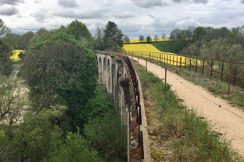 Wanderweg über den Gröditzer Viadukt.