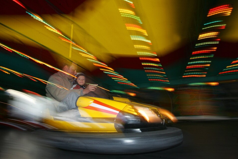Ab Freitagnachmittag können die Besucher des Rummels in Pulsnitz auch ihre Runden mit dem Autoscooter drehen.