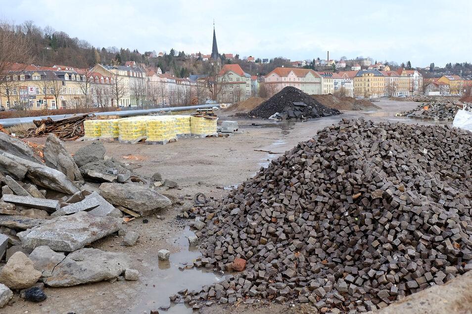 Dieses Archivbild, das vor anderthalb Jahren entstand, zeigt den früheren Kohlelagerplatz im Triebischtal. Im Zuge der Vorbereitung auf eine Gartenschau soll diese Fläche soll völlig neu gestaltet werden.