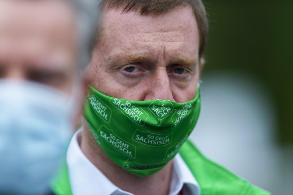 Sachsens Ministerpräsident Michael Kretschmer (CDU) hält baldige Lockerungen der Corona-Maßnahmen nur für möglich, wenn die Infektionenzahlen deutlich sinken. Das ist derzeit aber noch nicht der Fall.