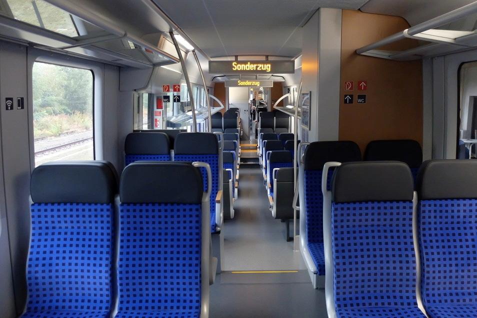 So sieht es im Inneren der umgebauten Triebwagen aus.