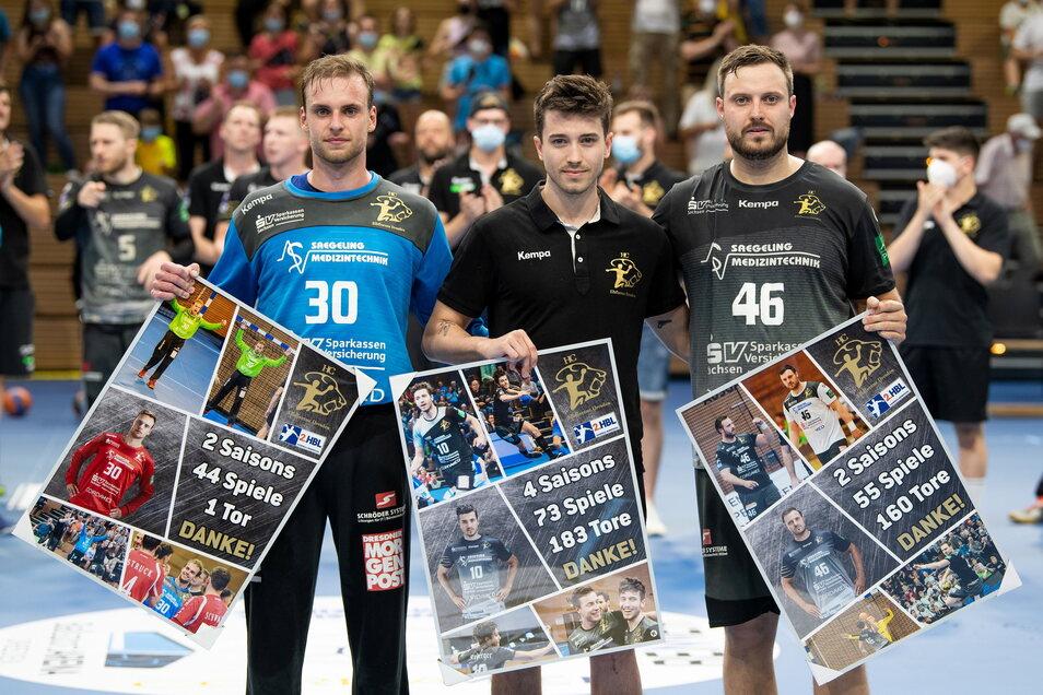 Vier Spieler wurden vor der Partie offiziell beim HC Elbflorenz verabschiedet(v. l.): Tom Göres, Nils Gugisch und Jonas Thümmler sowie Michal Kasal, der am Sonntag nicht dabei war.