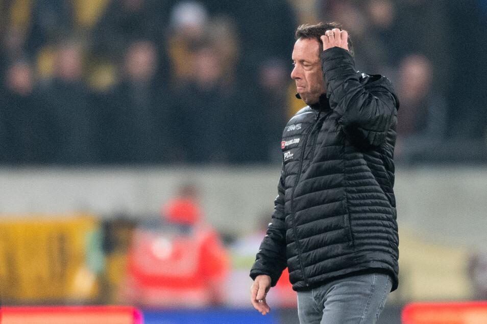 Dynamos Trainer Markus Kauczinski grübelt nach dem 2:3 gegen Darmstadt, wie die Mannschaft auf die Enttäuschung reagiert.