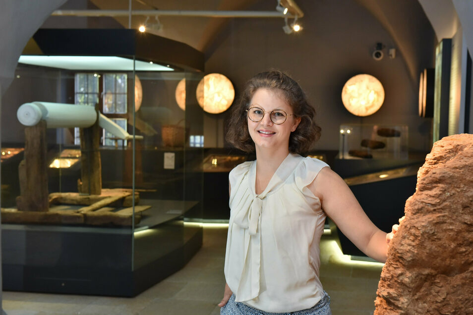 Lisa van Bömmel-Wegmann steht hier im Miberz in Dippoldiswalde, das sie die nächsten Monate leitet.
