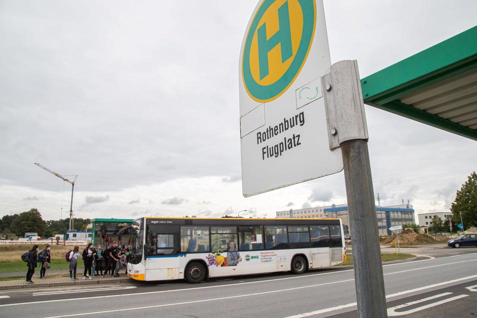 Für die Oberschüler, die in den Neißedörfern wohnen und in Rothenburg zur Oberschule fahren, wird es mit dem neuen Fahrplan komplizierter. Ein Umsteigen wird es auch geben.