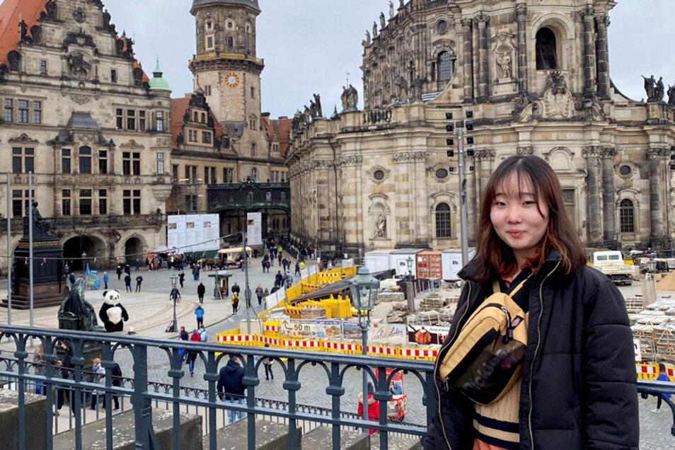Dieses Foto von Haruka Kurihara ist im letzten Jahr bei einem Ausflug in Dresden entstanden. Mittlerweile ist sie wieder in Japan angekommen und in einer vorsorglichen Quarantäne – auf Grund der Einreise aus Deutschland.
