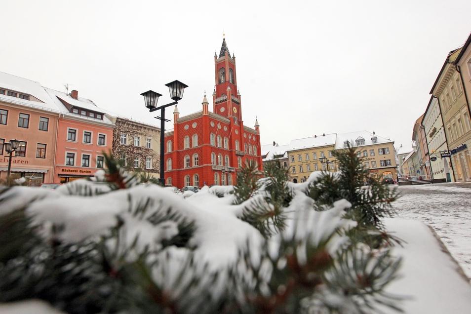 Die Ostseite des Kamenzer Marktes, gegenüber vom Rathaus, wird als Fläche für zusätzliche Parkplätze favorisiert