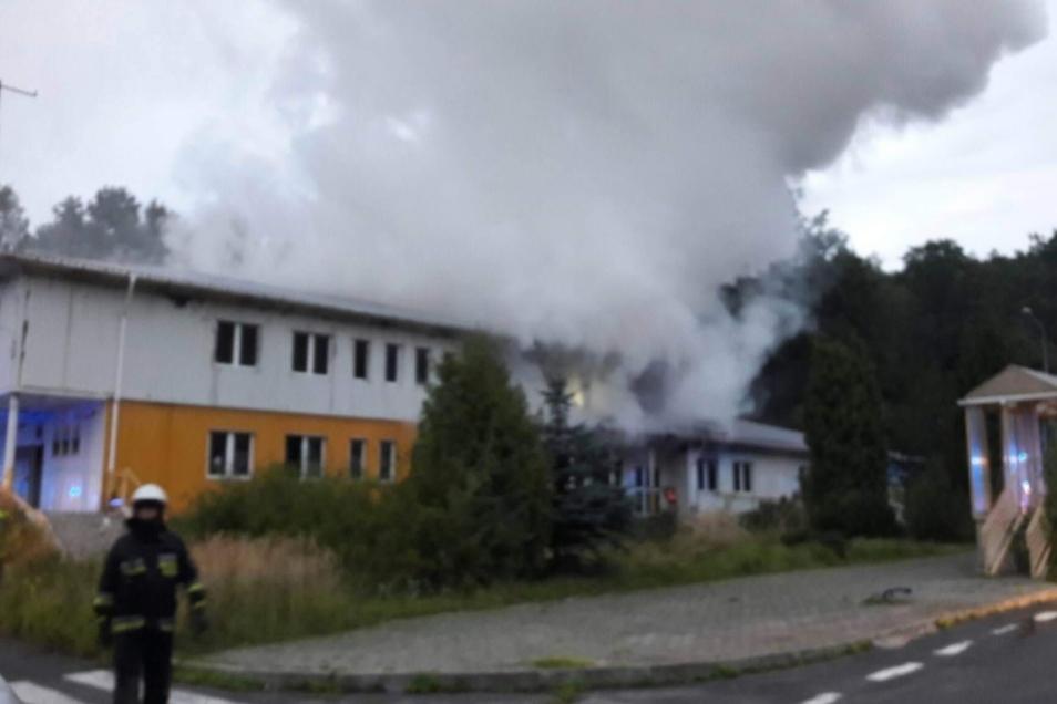 Das Grenzgebäude hat am Montagmorgen gebrannt.