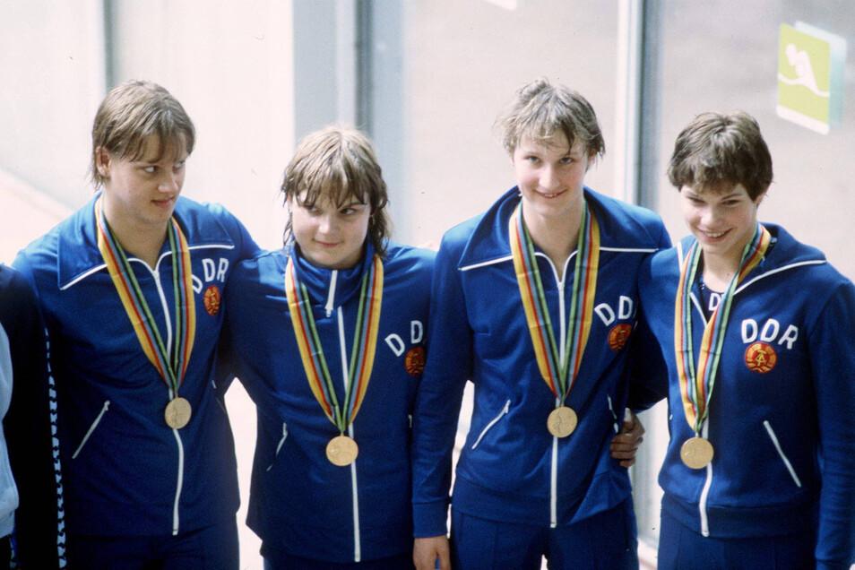 Rica Reinisch (rechts) mit ihren DDR-Kolleginnen der bei Olympia 1980 in Moskau siegreichen 4x100-m-Lagenstaffel: Caren Metschuk, die 2019 verstorbene Andrea Pollack und Ute Geweniger (von links).
