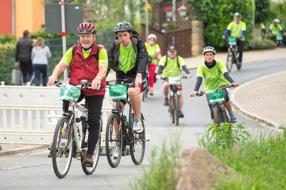 2.000 Radfahrer passierten am Sonntag die Festwiese in Kötzschenbroda.